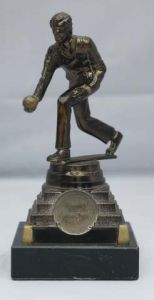MALE BOWLS FIGURE TROPHY 154-TWT